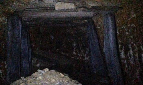 May 2017 Exploration of the mines, yes, it was dumb, but had to do it.  Needed to make sure no bodies were in the mine, and wanted to see for myself where the water was coming from.  Found the water, in both mines, the water comes from the very end where the miners apparently hit a water vein.  Guessing this is what caused them to abandon the mines.  Water flow (combined) varies from 6 gpm to 160 gpm.